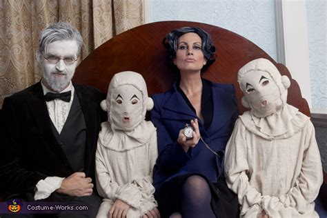 Miss Peregrine's Home for Peculiar Children Family Costume